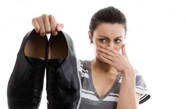 Kết quả hình ảnh cho mùi hôi giày