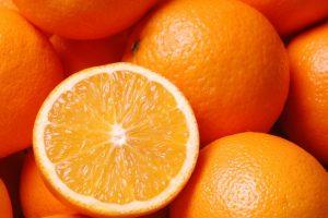 Ăn các loại hoa quả giàu vitamin C giúp giảm hôi miệng -2